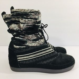 1887f31591e Toms Nepal Suede Mixed Media Pull On Boot